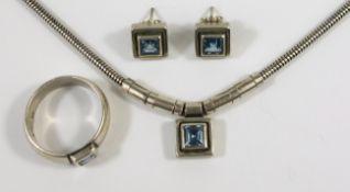 Schmuck-Set mit aquamarinblauem Stein, 925er Silber, Gesamt-Gew.23,63g, stabile Schlangenkette mit