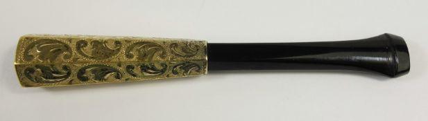 Zigarrenspitze, 585er Gelbgold/Bakelit, Art Déco, sechseckig mit Rollwerkgravur