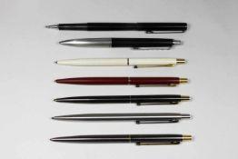 7 Kugelschreiber von Montblanc, 5 davon in Slim Line Ausführung - 80er Jahre, in verschiedenen