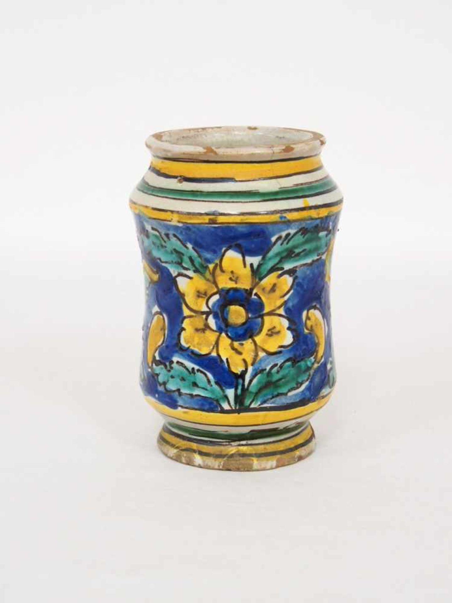 Kleiner AlbarelloFayence, kobaldblauer Grund, Blumen, Rankenwerk, Caltagirone Anfang 18.