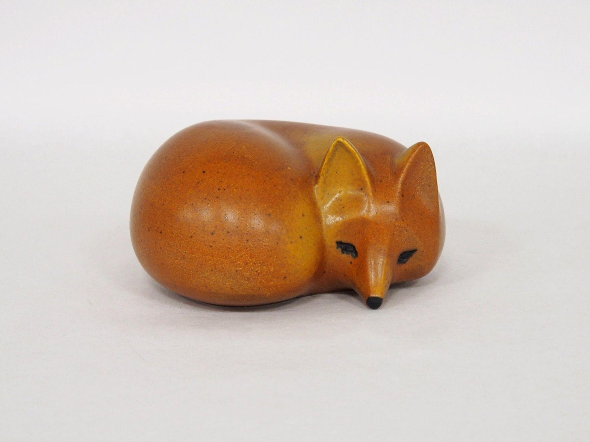 Schlafender FuchsKeramik, glasiert, Entwurf Lisa Larsson, Höhe 8 cm