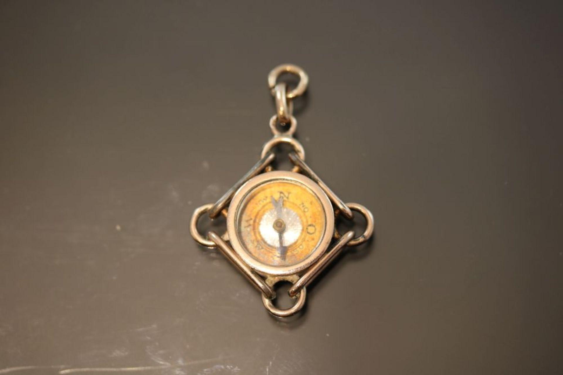 Kompass, 333 Gold