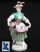 Gärtnerkind mit Blumenkorb. MEISSEN um 1900, 1. Wahl. Modell Johann Joachim Kaendler,
