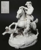 """Figurengruppe """"Parforce-Reiter mit zwei Jagdhunden"""". NYMPHENBURG, 20. Jahrhundert, nach einem Alt-<"""