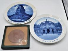 """Konvolut Meissen 3-teilig, Porzellan Wandteller """" Dresden """" Ø 25cm, Porzellan Wandteller """" 1813"""