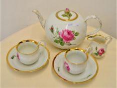 Konvolut Meissen Tee / Kaffeegedeck 6-teilig, 2 Tassen Schwanenhals rote Rose mit Unterteller 1.