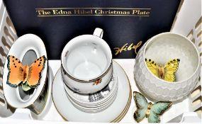 Konvolut Porzellan 16-teilig, 3 Schmetterlinge, 2 Vasen, 3 Wandteller, 6 kl. Sammelteller, 1 gr.