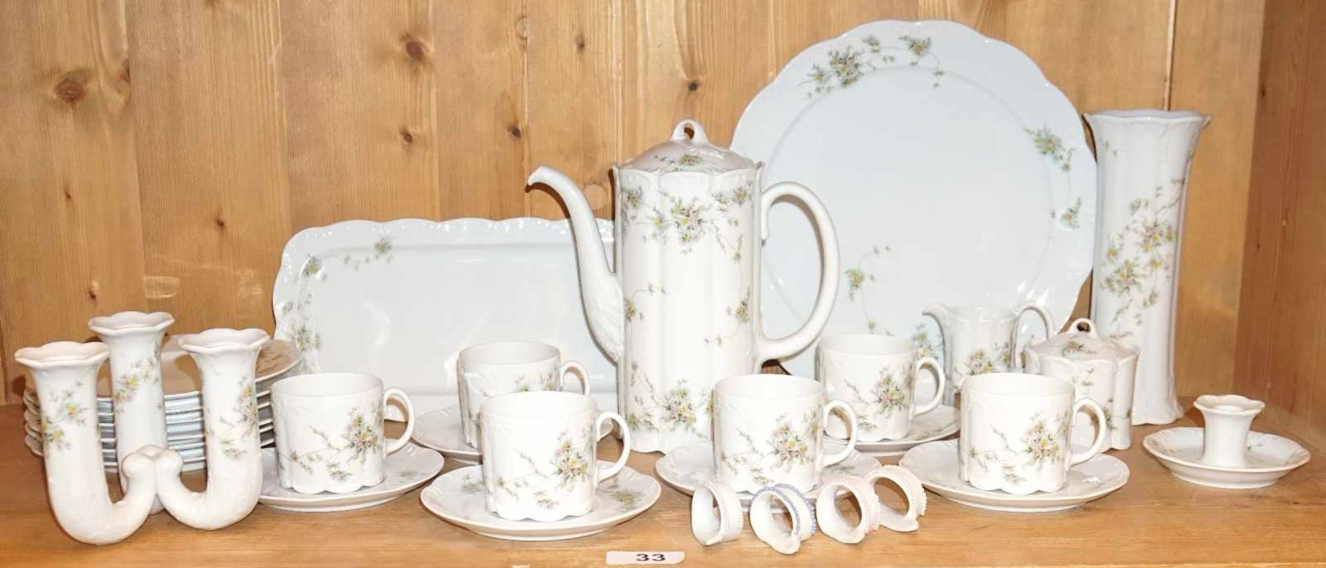 1 KaffeeservicePorz. ROSENTHAL GROUP Blumendekor m. Vase und Kerzenhalter f. 6 Pers. Asp.