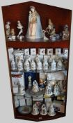 1 Konv. Porzellanversch. Marken z.B. HUTSCHENREUTHER ENS Christbaumkugeln, Glocken, Figuren u.a.