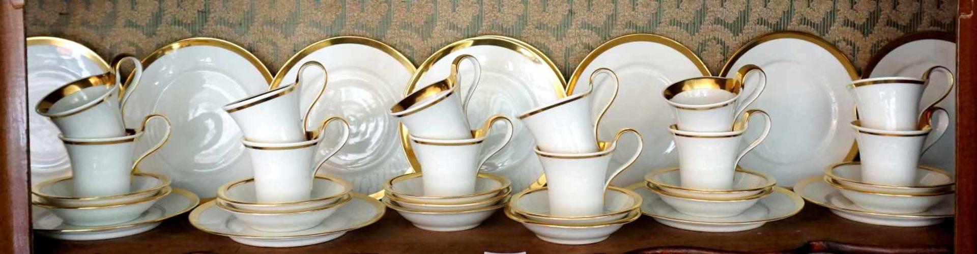 1 Kaffee-/TeerestservicePorz. FÜRSTENBERG f. 12 Pers. goldstaff. ber. Asp. - Bild 2 aus 2