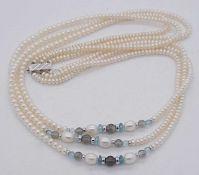 1 dreireihige PerlenketteVerschluss WG 18ct. wohl SCHOEFFEL wohl lt. Originalrechnungen Aquamarine/