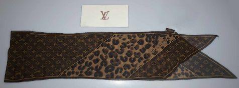 1 dünner Seidenschal Louis Vuitton monogr./Leopard gekauft 2009 für 185€ m. Rechnung Tsp.