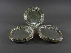Zwölf Gläseruntersetzer, 925 SilberGebr. Kühn, Schwäbisch Gmünd, Rillenrand, D = 12 cm, ca. 703 g,