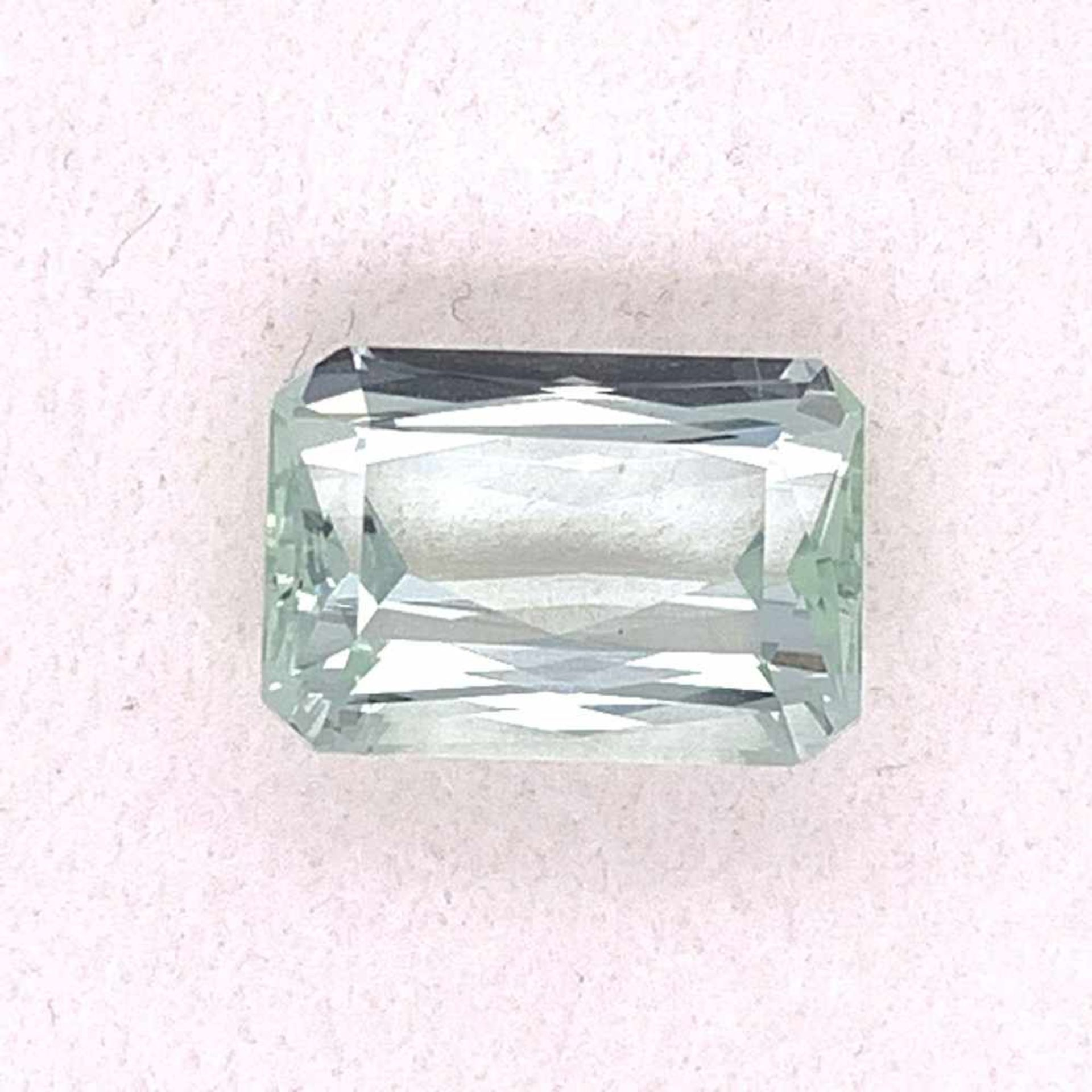 AquamarinAqua 7,85 ct Emerald Schliff 10,07 x 14,57 h 7,00