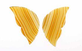 Achat Schmetterling23,07 ct. bestehend aus zwei Flügel Formen, ca. 35,00 x 18,00 h 2,56 mm