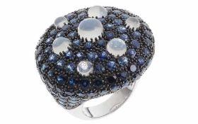 Ring 18K WG mit 23,14 ct. Saphiren und 4,59 ct. Mondsteinen, RW: 55, Durchmesser Ringkopf: 32,60 mm,