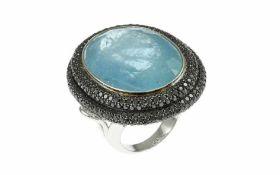 Aquamarin Ring 18K WG mit 5,05 ct. schwarzen Diamanten und 40,71 ct. Aquamarin oval, facettiert, RW: