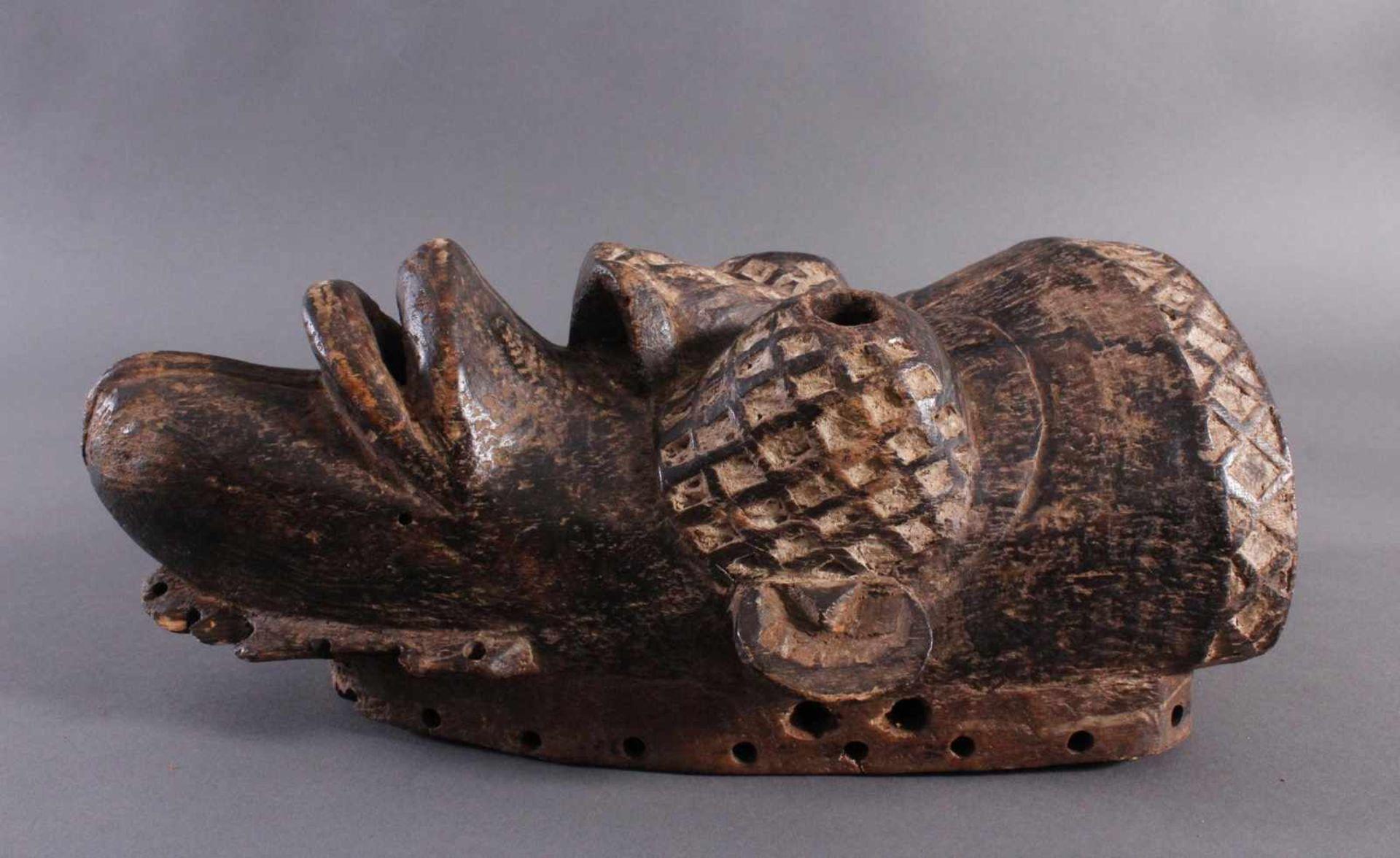 Antike Maske, Yaure Elfenbeinküste 1. Hälfte 20. Jh.Holz geschnitzt, dunkle Patina, Reste weißer - Bild 3 aus 6