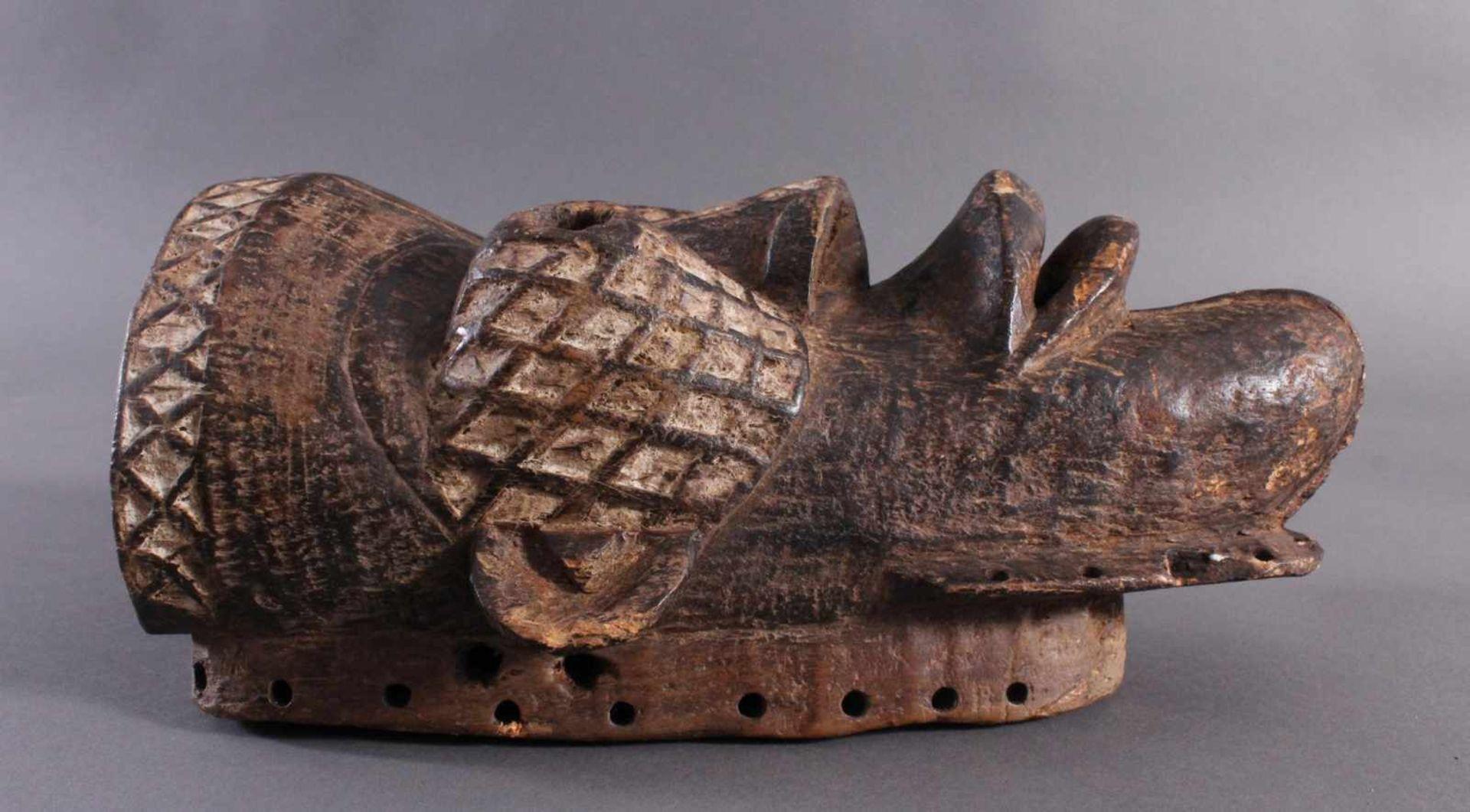 Antike Maske, Yaure Elfenbeinküste 1. Hälfte 20. Jh.Holz geschnitzt, dunkle Patina, Reste weißer - Bild 2 aus 6