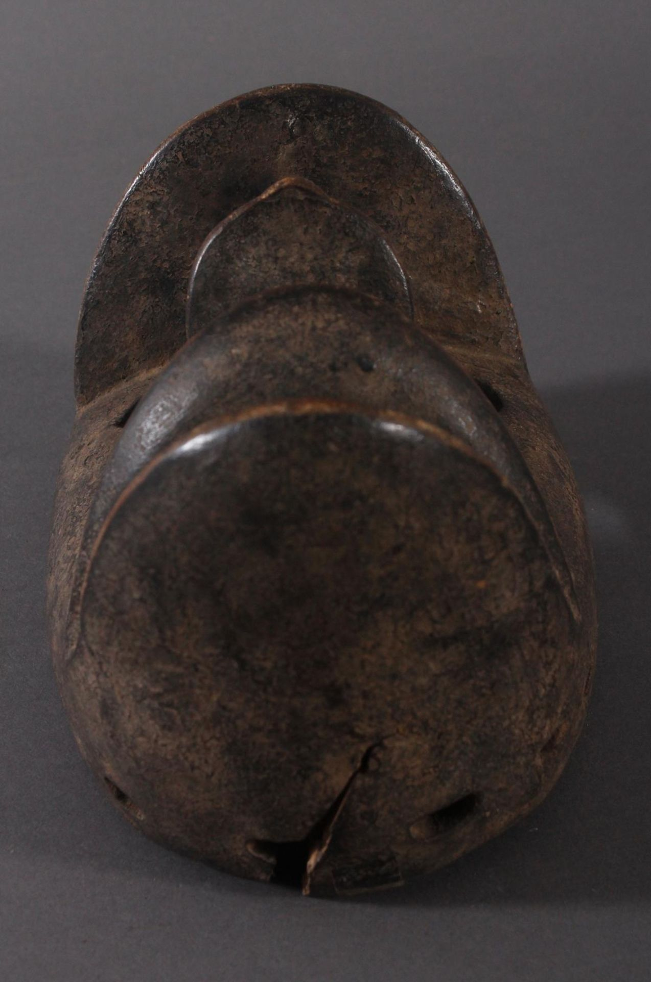 Antike Maske der Dan-Kran, Elfenbeinküste 1. Hälfte 20. Jh.Holz geschnitzt, dunkle Patina ,nach - Bild 5 aus 6