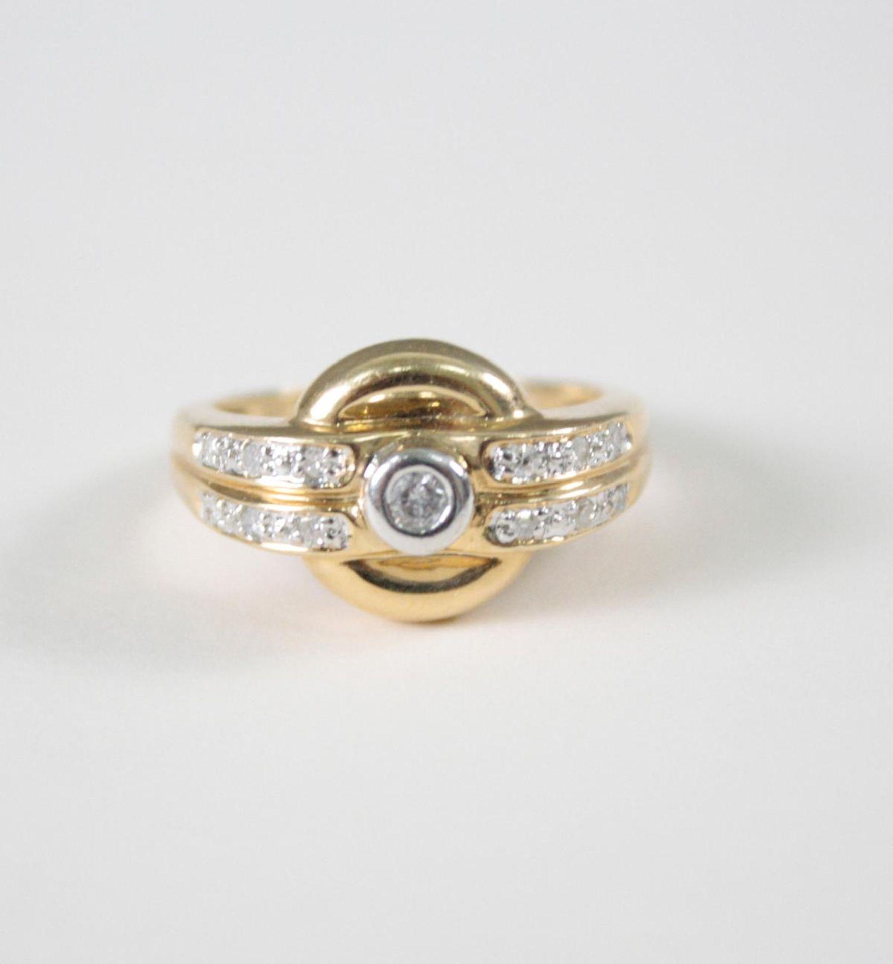 Damenring mit Diamanten, 14 Karat Gelbgold1 Diamant von ca. 0,05 Karat, 12 Diamanten von jeweils ca.