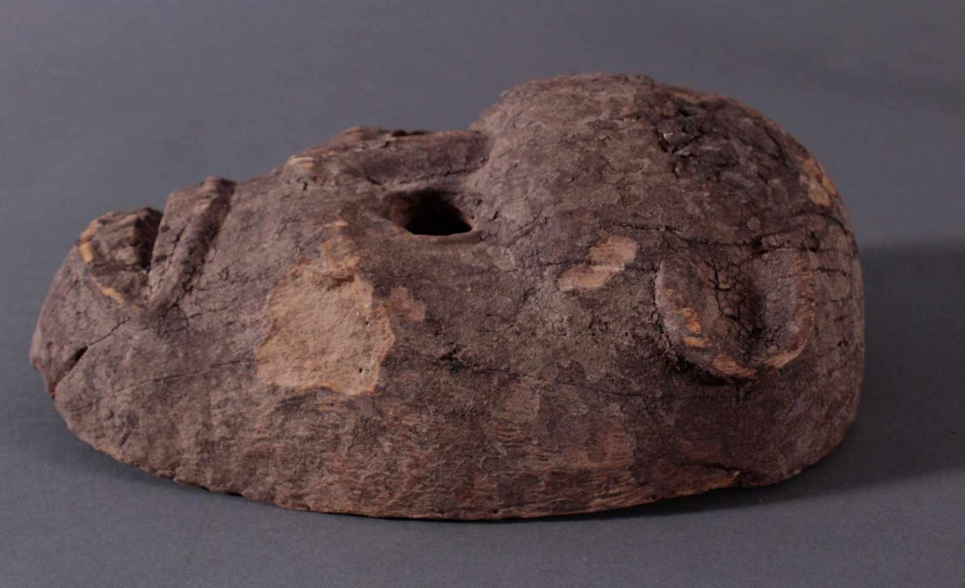 Antike Zoomorphe Maske, Makua, Tansania 1. Hälfte 20. Jh.Hartholzolz, alter Wurmfrass, dunkle Patina - Bild 3 aus 6