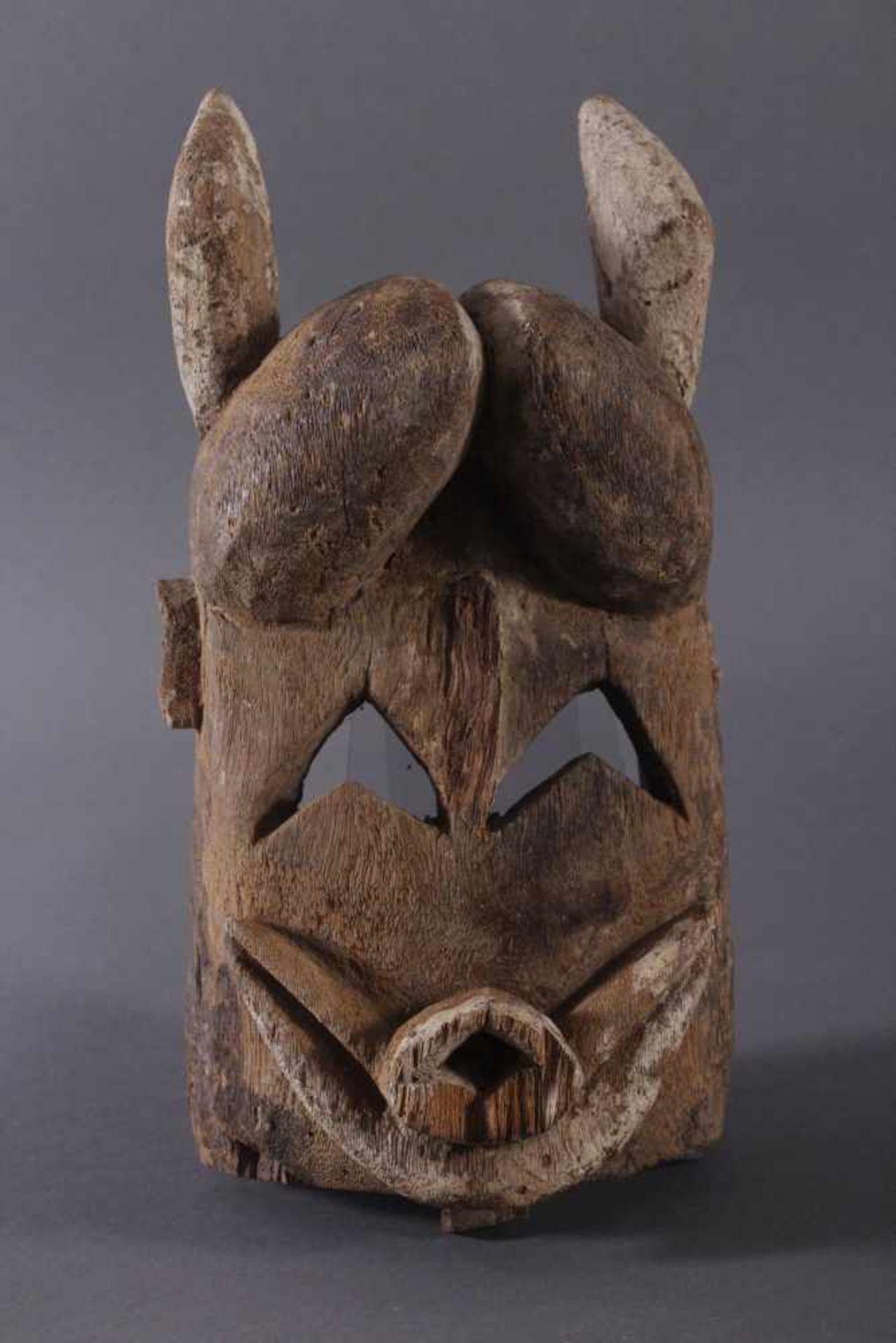 Antike Maske, Mossi, Burkina Faso 1. Hälfte 20. Jh.Holz geschnitzt, Reste von weißer