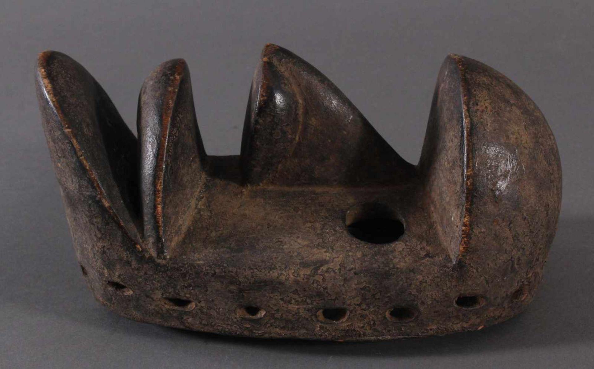 Antike Maske der Dan-Kran, Elfenbeinküste 1. Hälfte 20. Jh.Holz geschnitzt, dunkle Patina ,nach - Bild 3 aus 6
