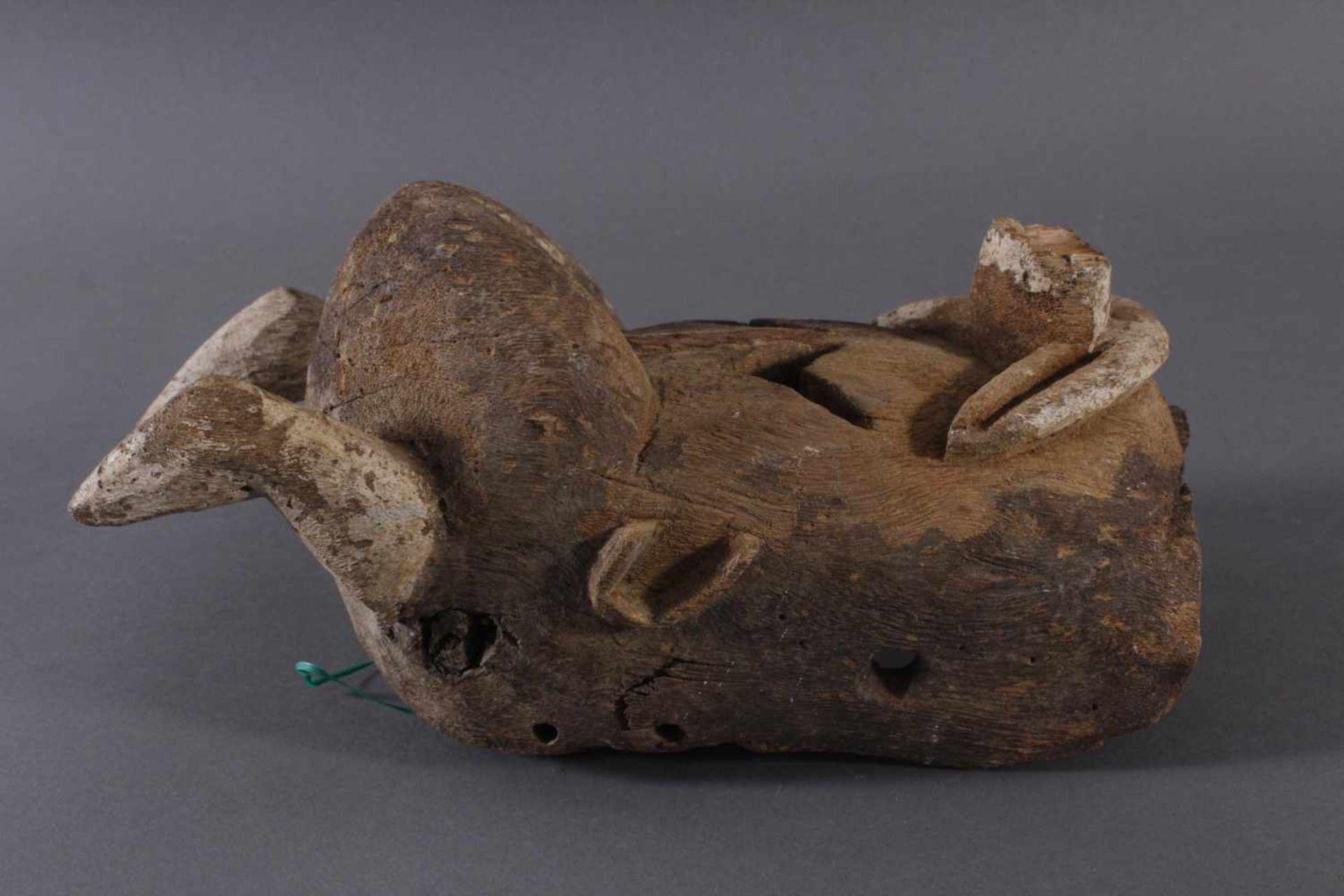 Antike Maske, Mossi, Burkina Faso 1. Hälfte 20. Jh.Holz geschnitzt, Reste von weißer - Bild 2 aus 6