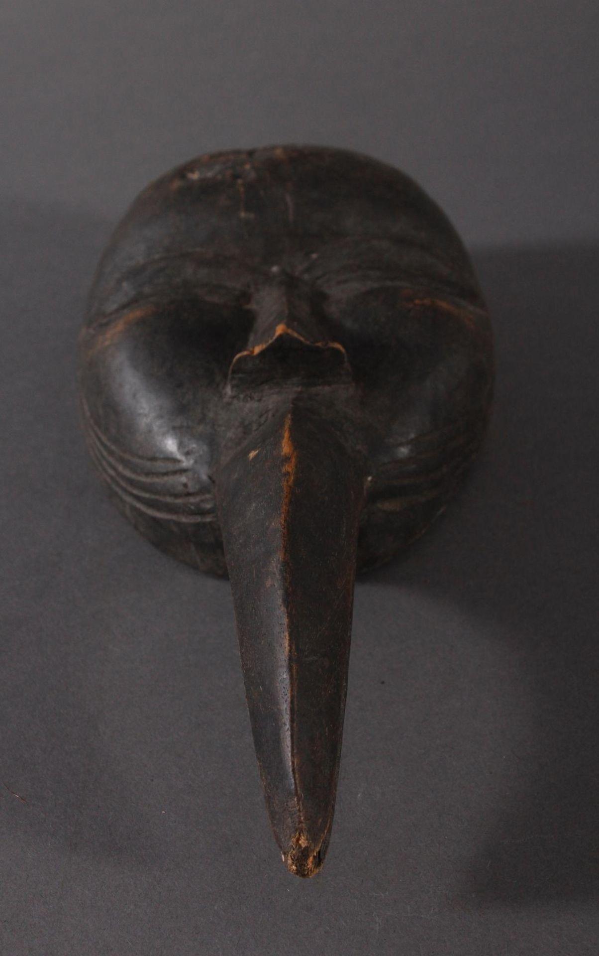 Antike Maske, Dan, Liberia 1. Hälfte 20. Jh.Holz geschnitzt, dunkle Patina, Schnabelmaske, ca. 6 x - Bild 4 aus 6