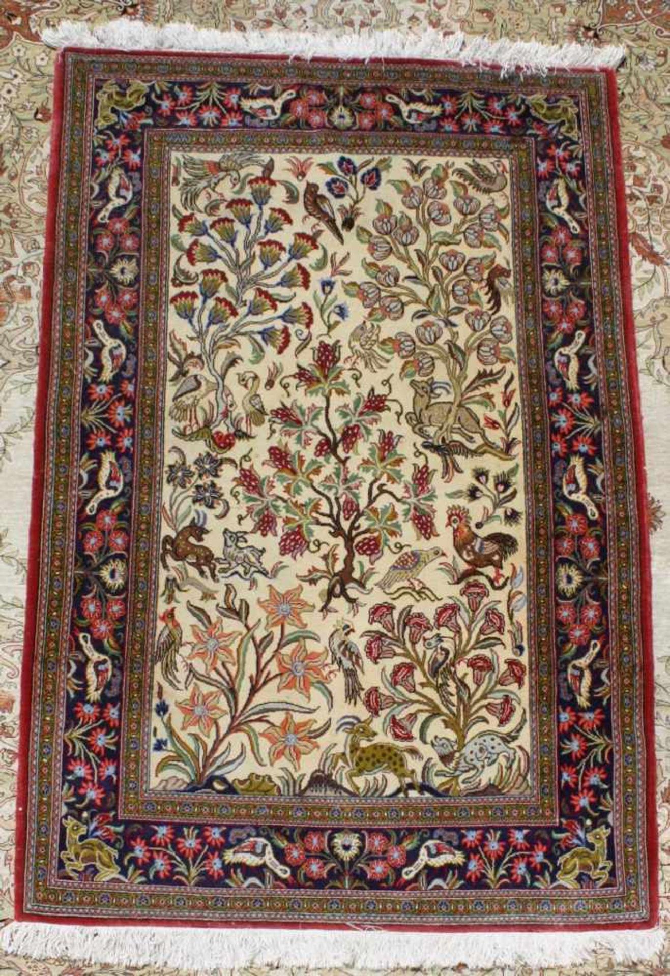 Ghom, Persien 2. Hälfte 20. Jh.Buntes Tier und Blumenmotiv, Wolle auf Wolle, ca. 105 x 167 cm
