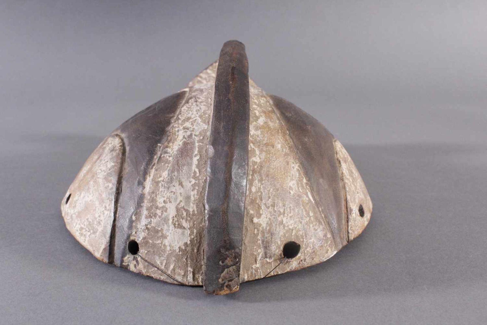 Antike Maske, Gabun 1. Hälfte 20. Jh.Holz geschnitzt, braune Patina, Kaolin Bemalung, ca. 11,5 x - Bild 3 aus 5