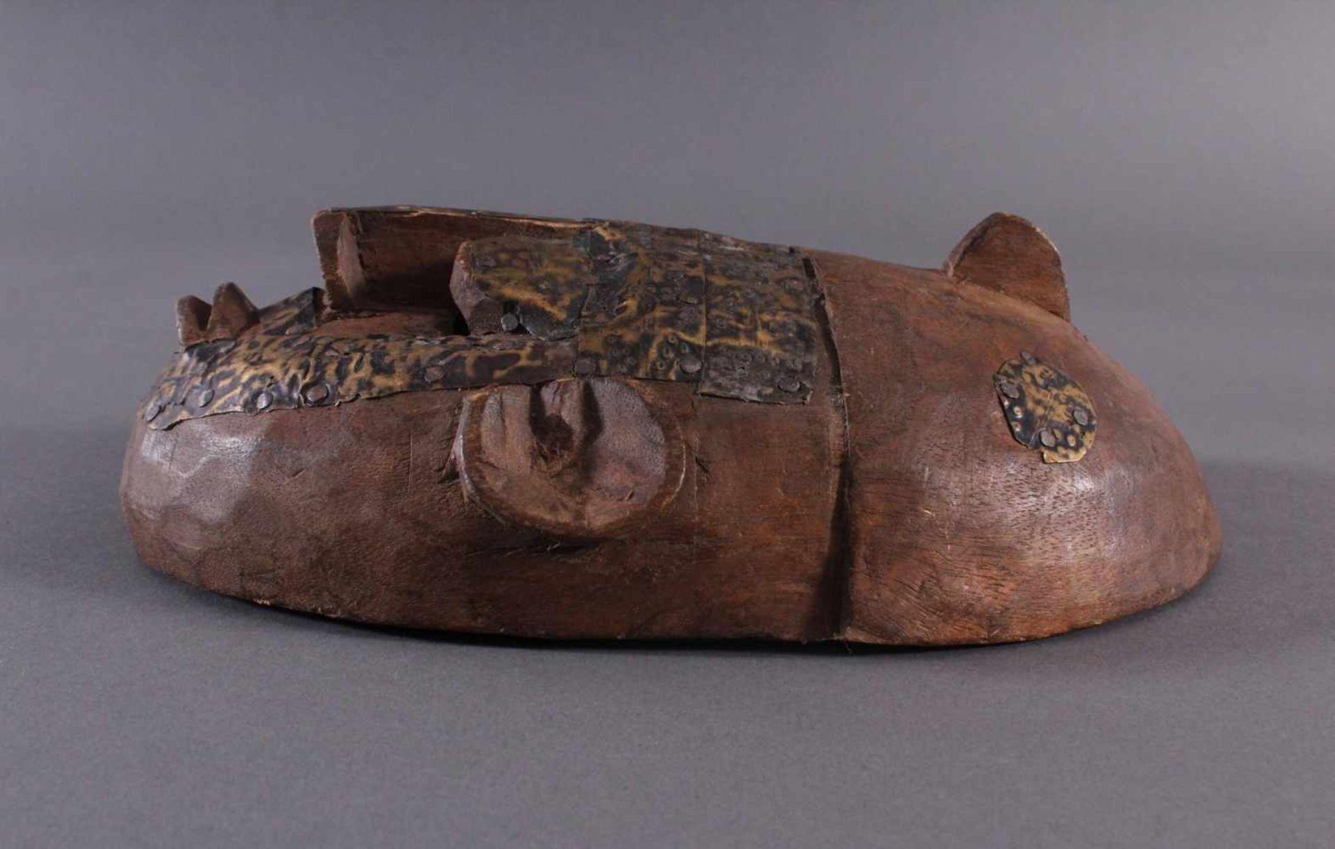 Antike Maske, Marka, Mali 1.Hälfte 19. Jh.Holz geschnitzt, Gesicht stzellenweise mit Messing-Blech - Bild 5 aus 6