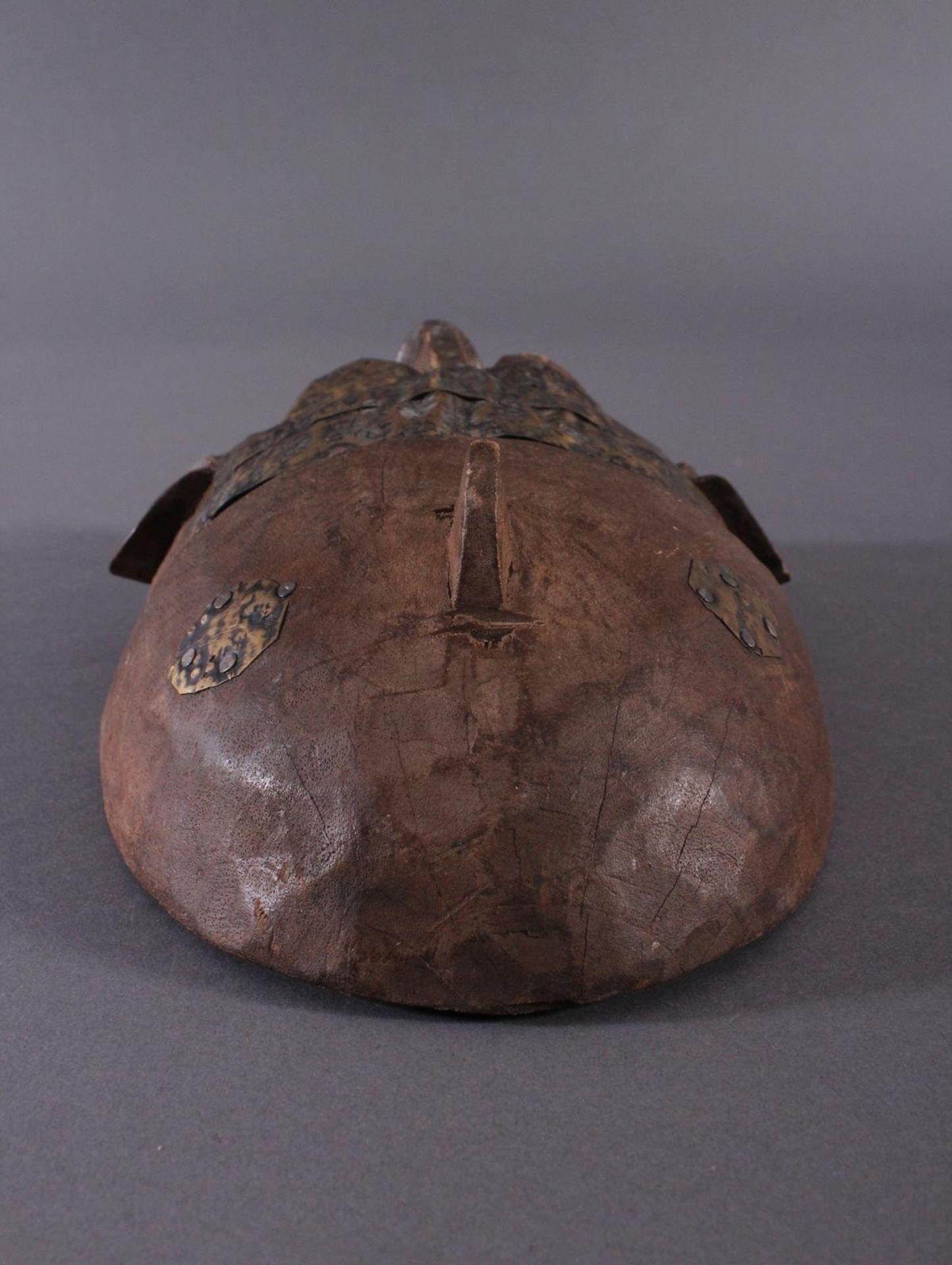 Antike Maske, Marka, Mali 1.Hälfte 19. Jh.Holz geschnitzt, Gesicht stzellenweise mit Messing-Blech - Bild 4 aus 6