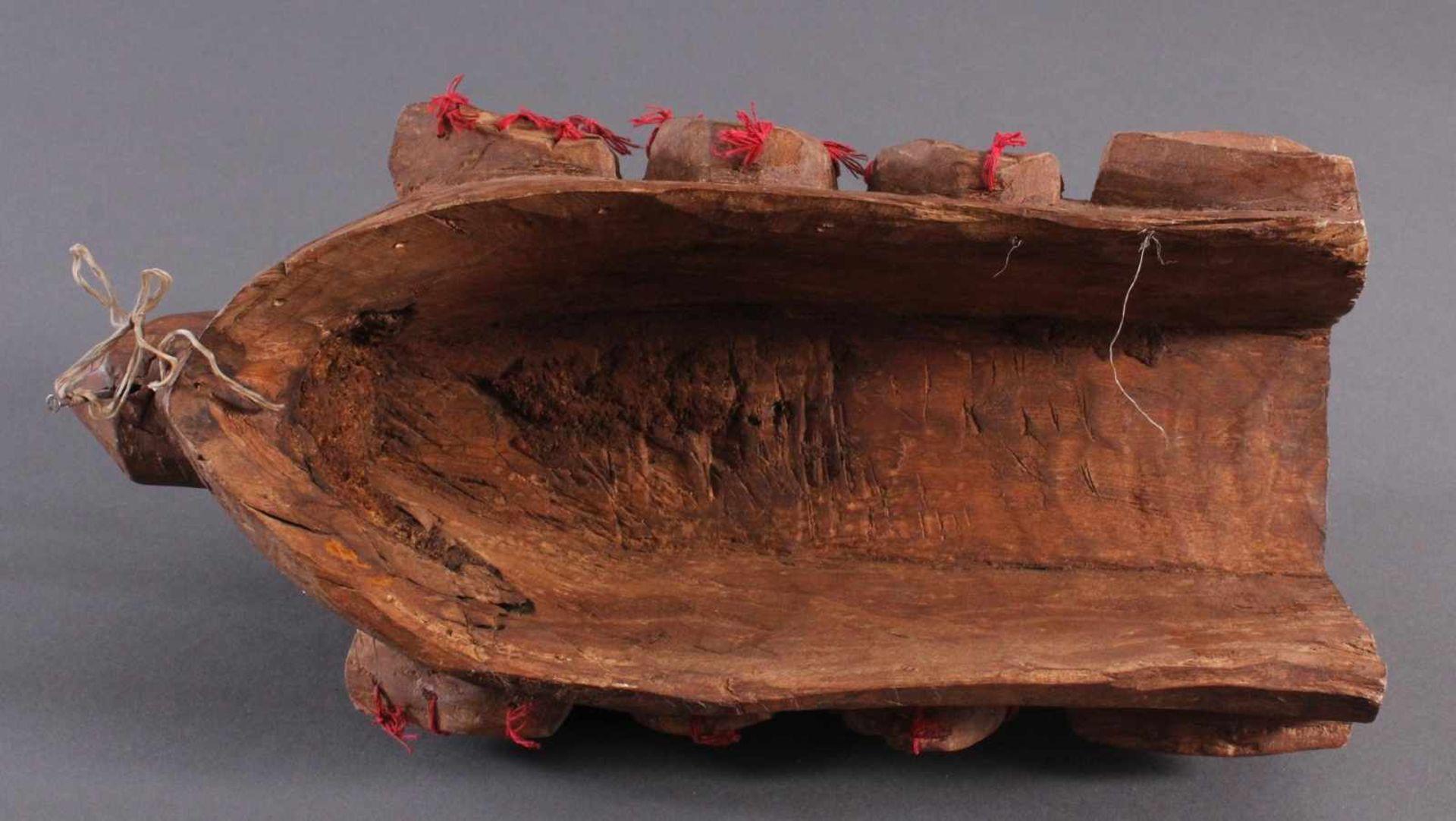 Antike Wandmaske, Mambila Kamerun 1. Hälfte 20. Jh.Helles Holz, geschnitzt, verziert mit roten - Bild 6 aus 6