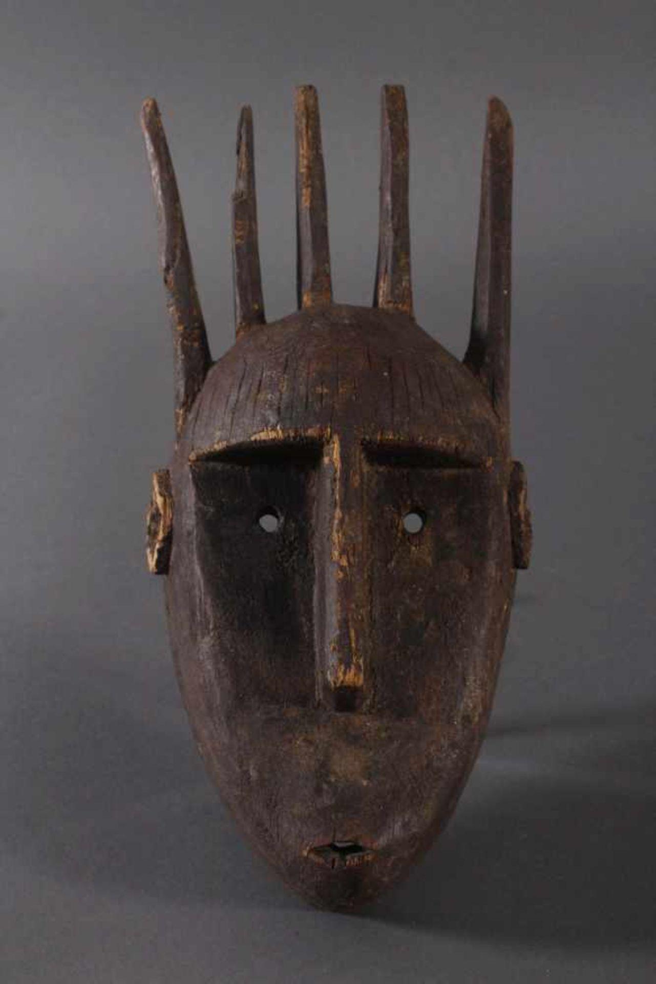 Antike Maske, Marka, Mali 1.Hälfte 19. Jh.Holz geschnitzt, spitz ovales, schlankes Gesicht mit