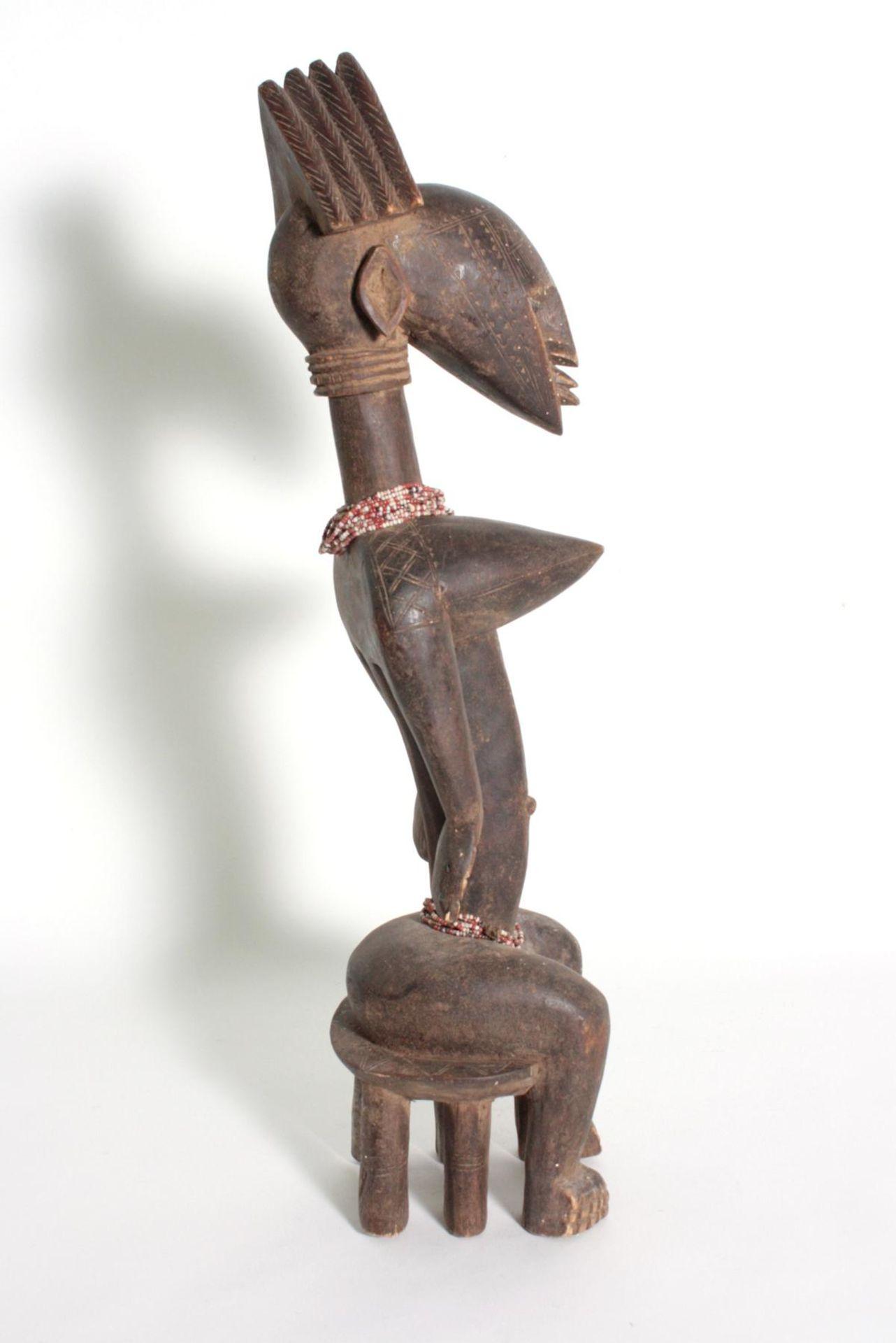 Bambara/Mali, sitzende weibliche Figur, 1. Hälfte 20. Jh.Holz, dunkelbraune Patina, sitzende Frau - Bild 3 aus 5