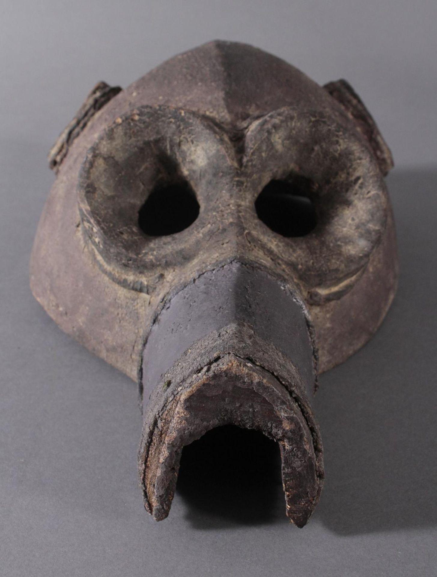 Antike Große Zoomorphe Maske. SeltenAus dem Vollholz geschnitzt, dunkle Patina darüber schwarze - Bild 4 aus 7
