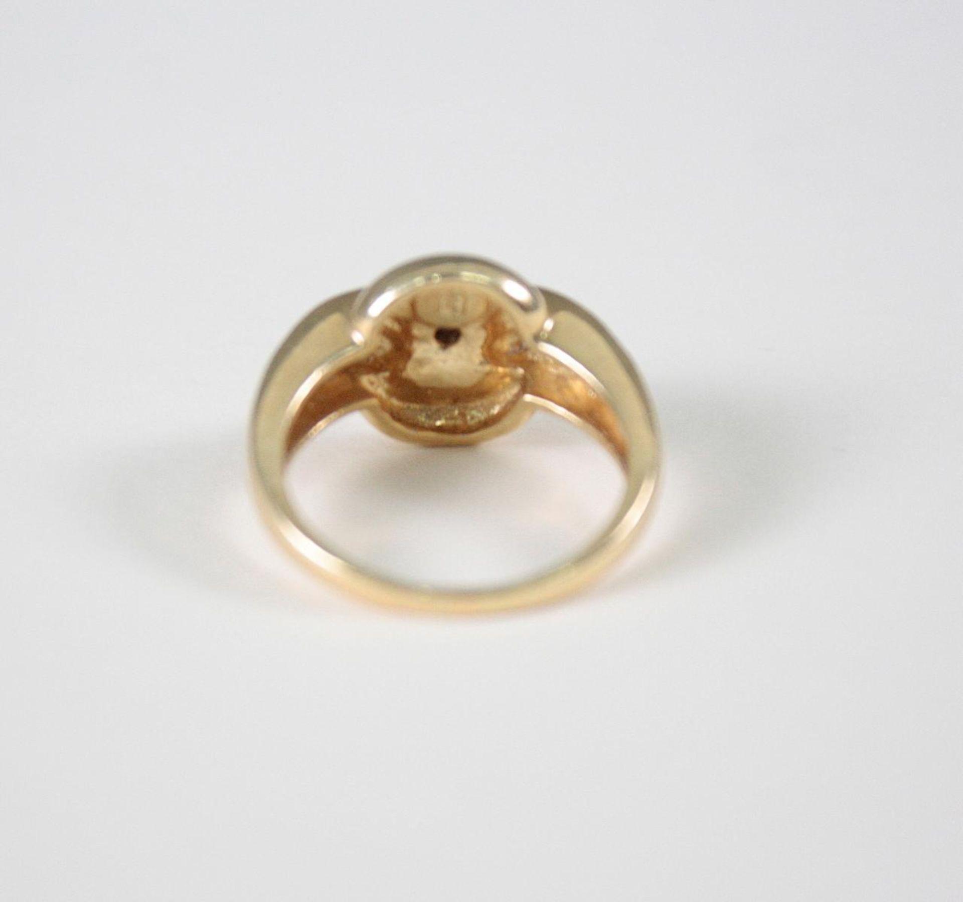Damenring mit Diamanten, 14 Karat Gelbgold1 Diamant von ca. 0,05 Karat, 12 Diamanten von jeweils ca. - Bild 2 aus 3