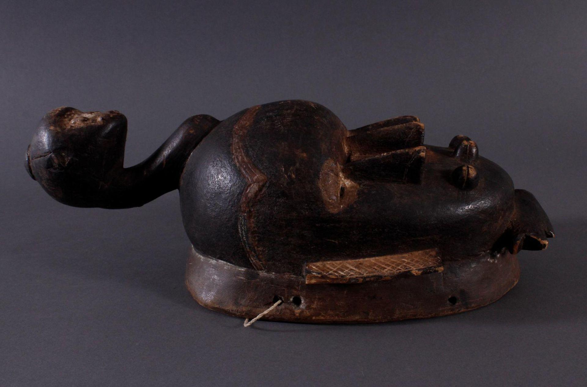 Antike Kpelie-Maske, Senufo 1. Hälfte 20. Jh.Holz geschnitzt, geschwärztes, leicht glänzendes, - Bild 2 aus 6