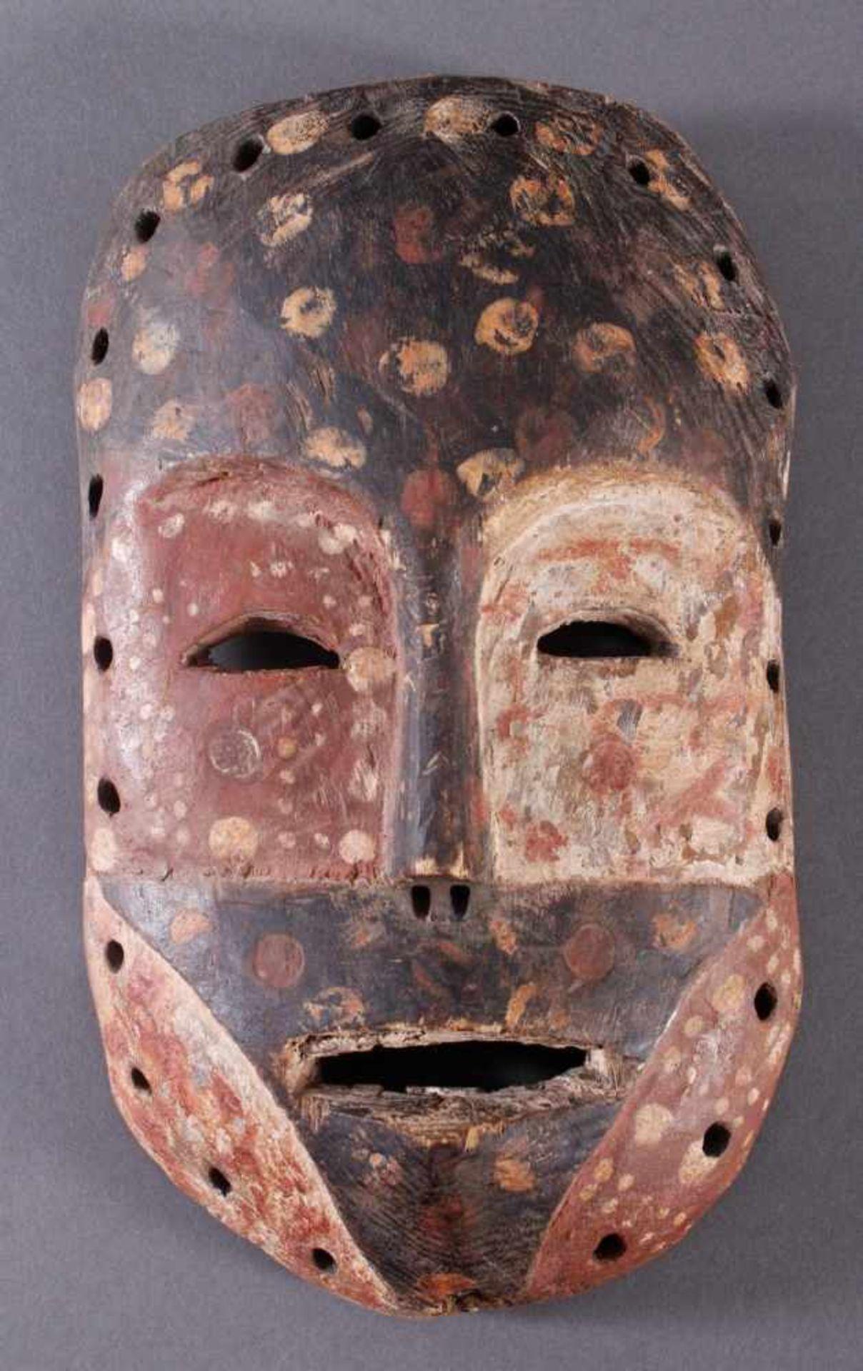 Antike Maske, Mossi, Ghana 1. Hälfte 20. Jh.Holz geschnitzt, Kalk, schwarze und rote Bemalung, ca. 6 - Bild 3 aus 3