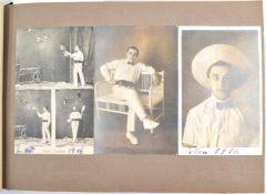 FOTOALBUM ARTISTENTRUPPE FERDINI, 87 einmontierte Ansichtskarten, Foto, Licht- u. Tiefdruck 1912-
