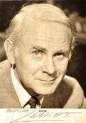 """VON BÜLOW, BERNHARD-VIKTOR, """"Loriot"""", (1923-2011), dt. Regisseur, Schauspieler u. Satiriker,"""