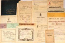 URKUNDENGRUPPE EINER BERLINER STENOTYPISTIN, 18 Teile: Schulzeugnisse, Taufschein, Impfscheine u.