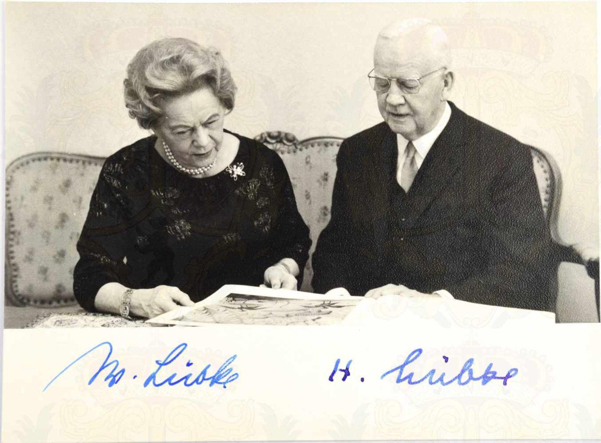 """Los 26 - LÜBKE, Heinrich (1894-1972), 2. Bundespräsident, Tinten OU """"H. Lübke"""" sowie Ehefrau """"W. Lübke"""","""