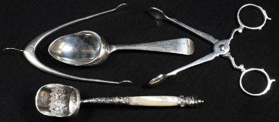 A George V silver Old English pattern medicine spoon, Sheffield 1917; a late Victorian silver