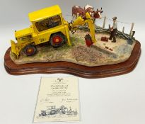 A Border Fine Arts model 'Laying the Clays' limited edition no.685/1750, boxed