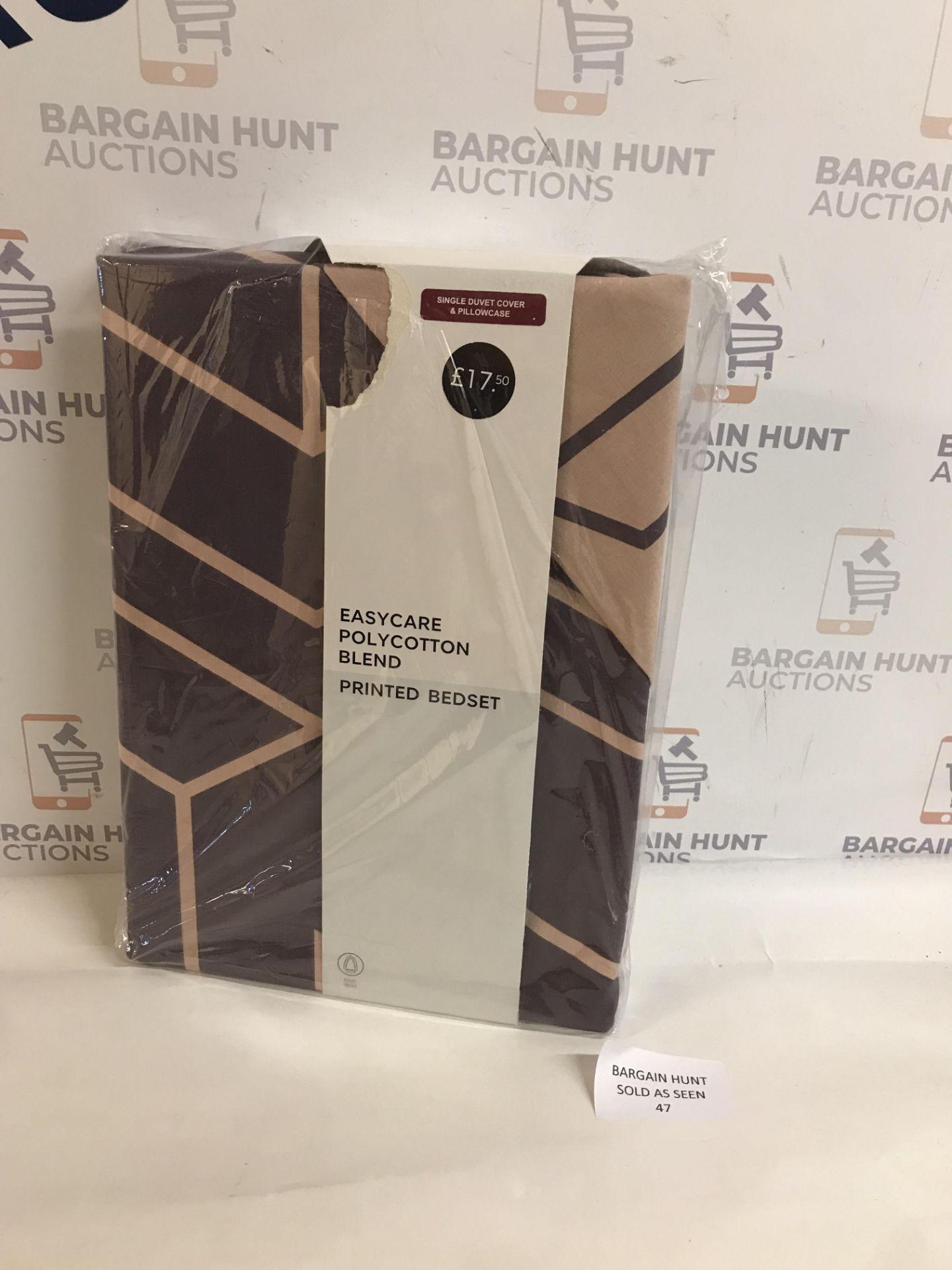 Lot 47 - Easycare Polycotton Blend Printed Bedding Set, Single