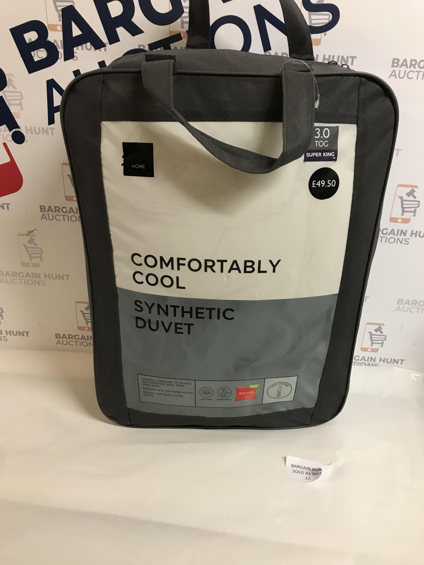 Lot 12 - Comfortably Cool Synthetic 3.0 Tog Duvet, Super King