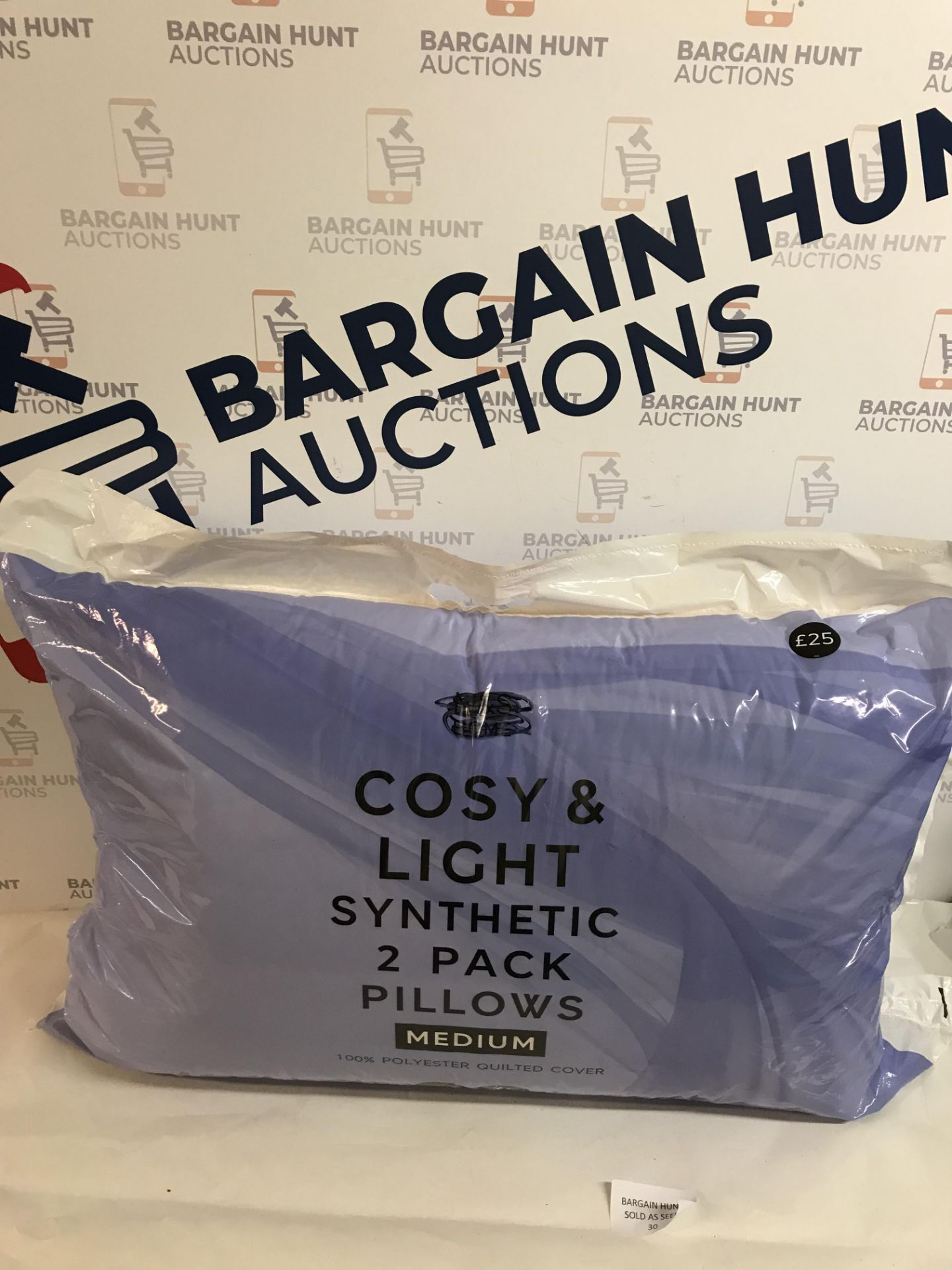 Lot 30 - Cosy & Light Synthetic 2 Pack Pillows